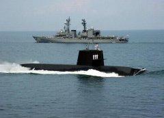 日潜艇进南海 中国可用其练兵弥补海军最